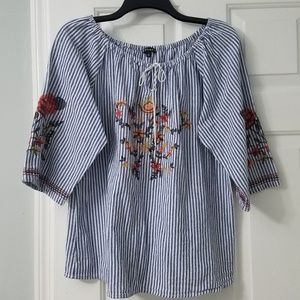Stripe cotton top with embroidery stitching.
